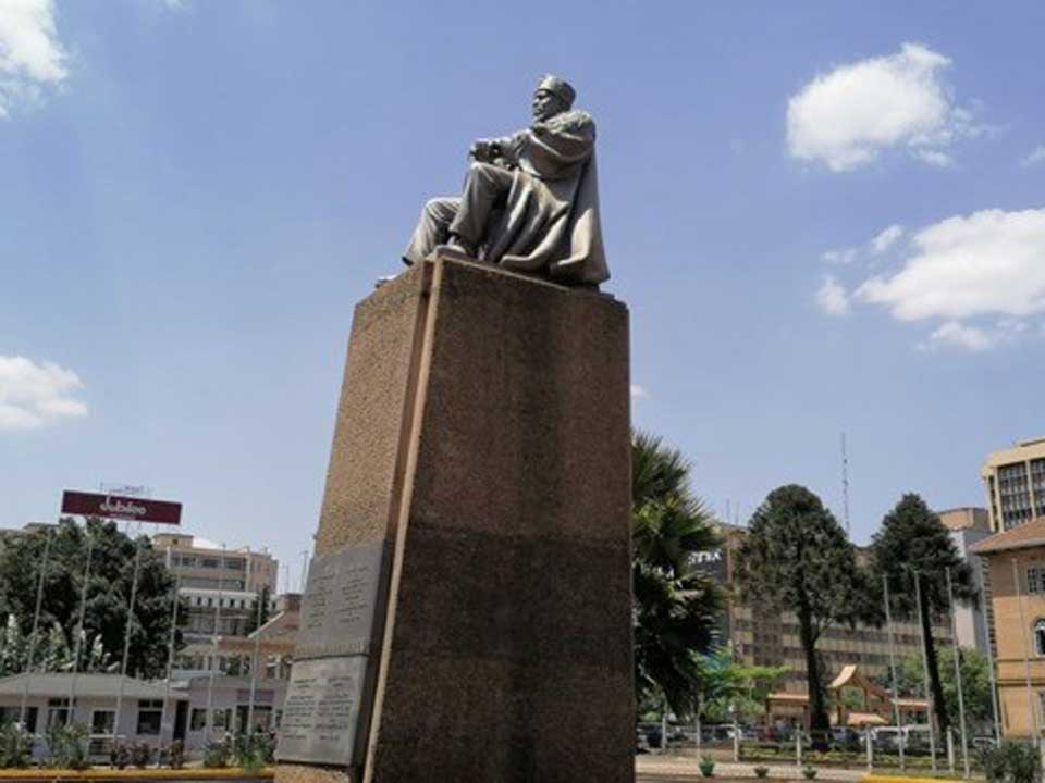 nairobi statues_2