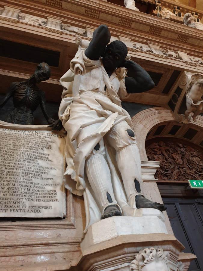 Monumento al Doge Giovanni Pesaro_2